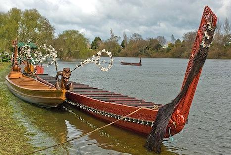 maori-canoe1